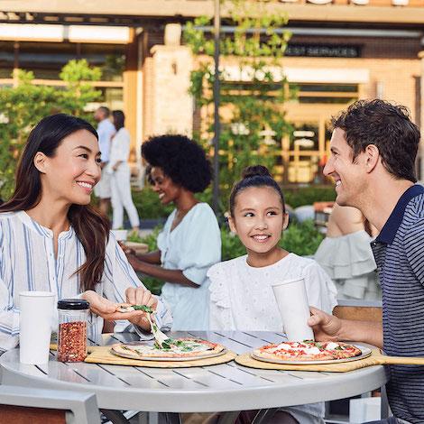 boca - promo - kids eat free image