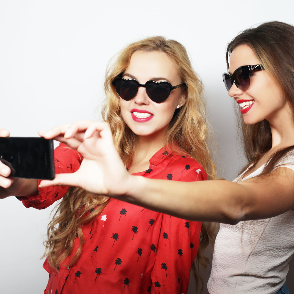 Woodland Hills Mall - Promo - Selfie Club - Now Open image