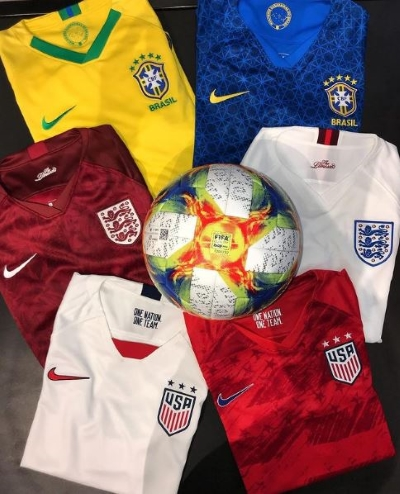 DISCOVER FASHION WITH UNITED WORLD SOCCER
