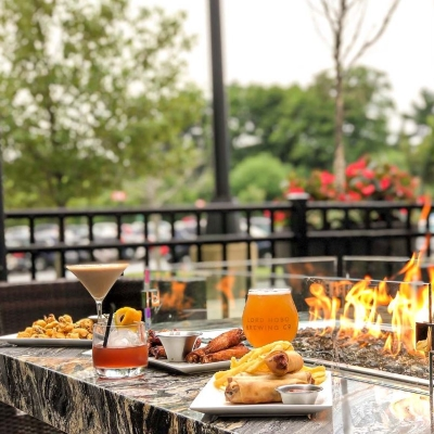 OUTDOOR DINING AT BURTONS GRILL