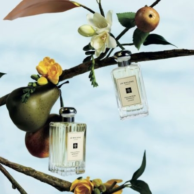 Let our stylists take you through a personal fragrance journey of the new collection by booking a co