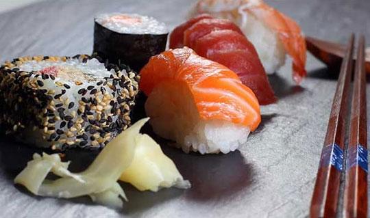 Dining at Hana Japan